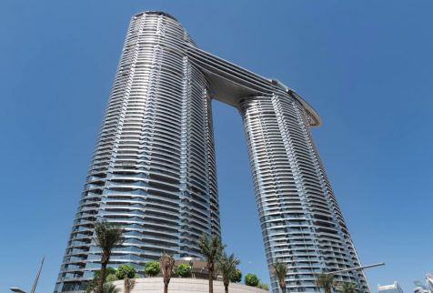 CoxGomyl provide innovative facade access solutions to some of the most innovative buildings in the Middle East